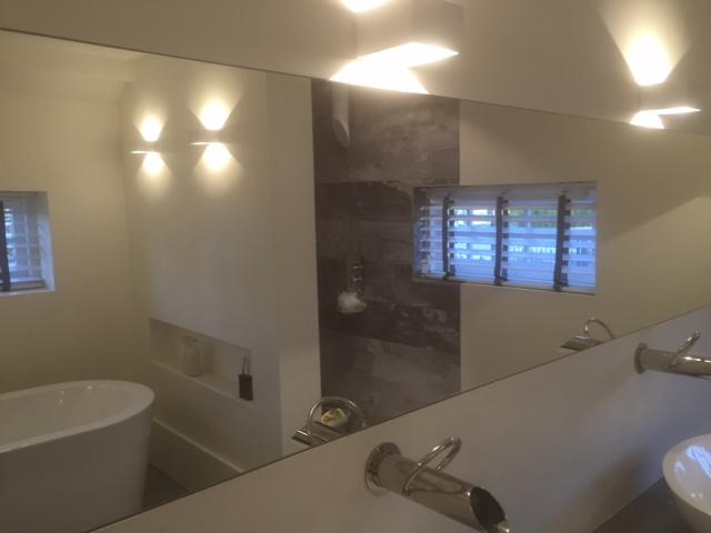 Badkamer met beal en freshcolori italiaans stucwerk kees de